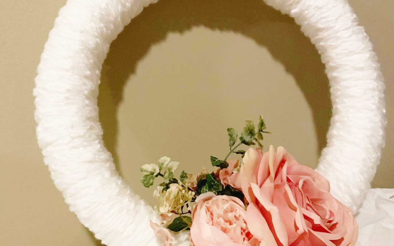 DIY Finger Knit Wreath